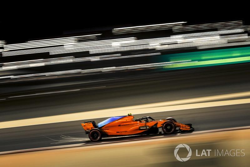 14: Stoffel Vandoorne, McLaren MCL33, 1'30.525