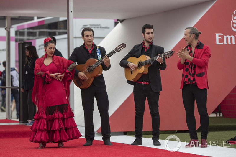 Band and Flamenco dancer