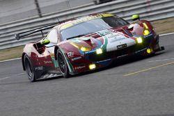 #71 AF Corse Ferrari 488 GTE: Davide Rigon, Miguel Molina