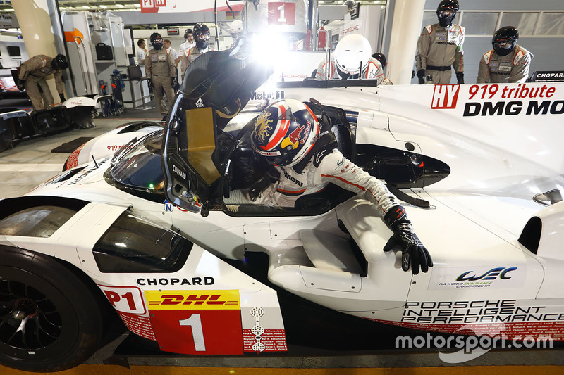 #1 Porsche Team Porsche 919 Hybrid: Neel Jani en pits
