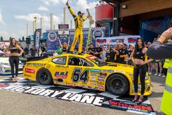 Race winner Alon Day, CAAL Racing Chevrolet