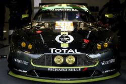 Экипаж №98 команды Aston Martin Racing, Aston Martin Vantage: Пол Далла-Лана, Педро Лами, Матиас Лауда
