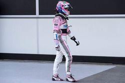 Sergio Perez, Force India VJM11 dans le Parc Fermé
