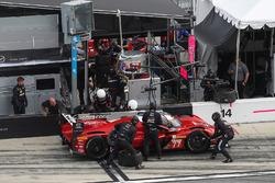 Pitstop, #77 Mazda Team Joest Mazda DPi, P: Oliver Jarvis, Tristan Nunez, René Rast