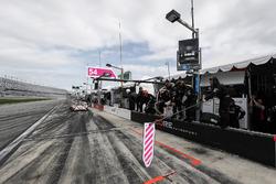 Пит-стоп: Джон Беннет, Колин Браун, Ромен Дюма, Лоик Дюваль, CORE autosport, ORECA LMP2 (№54)