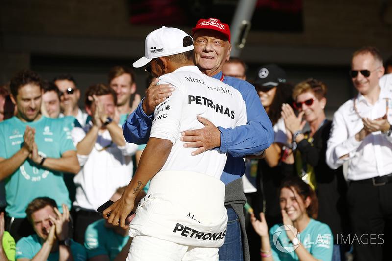 Lewis Hamilton, Mercedes AMG F1, Niki Lauda, Non-Executive Chairman, Mercedes AMG F1, celebrate Cons