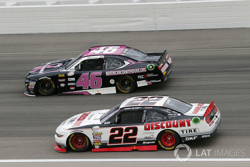 Ryan Blaney, Team Penske Ford, Quin Houff, Precision Performance Motorsports Chevrolet