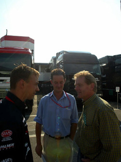 Nicolas Kiesa, Minardi, Piers Hunnisett, Manager de Nicolas Kiesa, Minardi y Jonathan Palmer