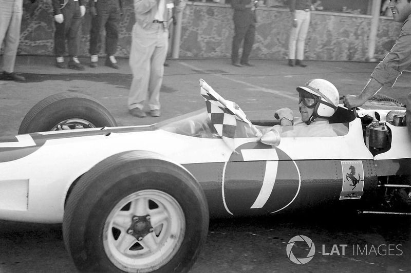 1964: 10 carreras – Campeón: John Surtees