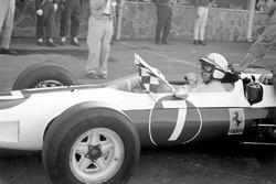 Champion John Surtees, Ferrari