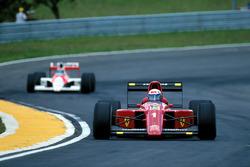 Alain Prost, Ferrari 641 leads Gerhard Berger, McLaren MP4/5B