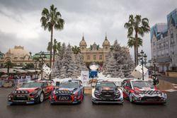 Групповое фото автомобилей WRC 2018 года