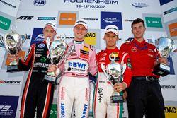 Подиум: победитель Максимилиан Гюнтер, Prema Powerteam, второе место – Джоэль Эрикссон, Motopark, тр
