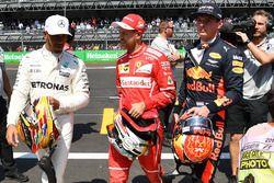 Lewis Hamilton, Mercedes AMG F1, le poleman Sebastian Vettel, Ferrari et Max Verstappen, Red Bull Racing