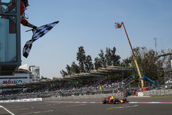 Max Verstappen, Red Bull Racing RB13 takes the chequered flag at the end of Qualifying