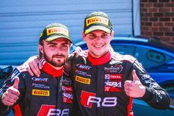 I vincitori #2 Belgian Audi Club Team WRT Audi R8 LMS: Will Stevens, Dries Vanthoor