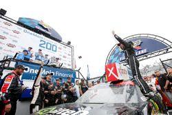 Ganador de la carrera Justin Allgaier, JR Motorsports, Chevrolet
