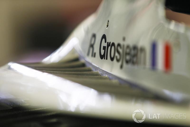 Dettaglio dell'abitacolo di Romain Grosjean, Haas F1 Team, VF-18 Ferrari