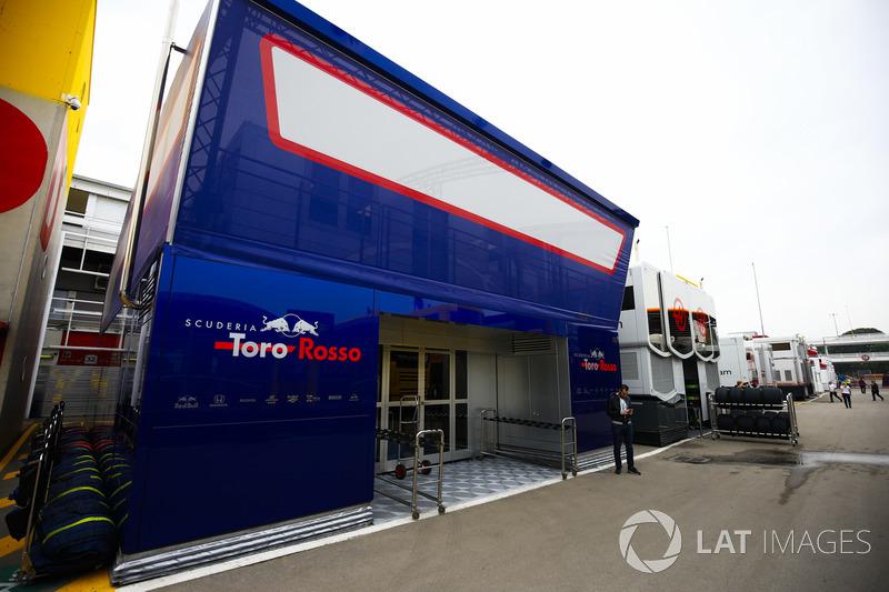 Моторхоум Scuderia Toro Rosso