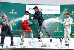 Podium : le vainqueur Alexander Albon, DAMS, le deuxième, Luca Ghiotto, Campos Racing, le troisième, Sergio Sette Camara, Carlin