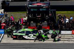 Austin Dillon, Richard Childress Racing, Chevrolet Camaro American Ethanol e15 makes a pit stop, Sunoco