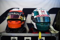 Helmets of Jack Aitken, ART Grand Prix and Nirei Fukuzumi, ART Grand Prix