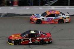 Jamie McMurray, Chip Ganassi Racing, Chevrolet Camaro McDonald's Chris Buescher, JTG Daugherty Racin