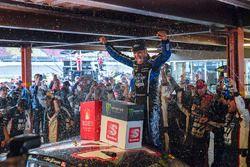 Clint Bowyer, Stewart-Haas Racing, Chevrolet Camaro Haas 30 Years of the VF1, victory lane