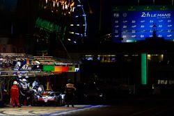 #8 Toyota Gazoo Racing Toyota TS050: Sébastien Buemi, Kazuki Nakajima, Fernando Alonso, au stand