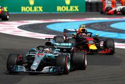 Lewis Hamilton, Mercedes AMG F1 W09 mène au départ
