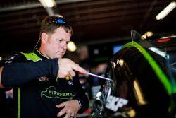 Austin Cindric, Team Penske, Ford Mustang Fitzgerald Glider Kits crew member