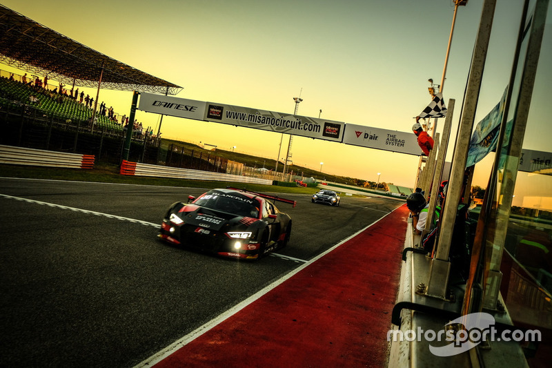 Los ganadores: #1 Belgian Audi Club Team WRT Audi R8 LMS: Alex Riberas, Christopher Mies
