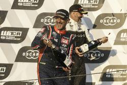 Podium: Race winner Gabriele Tarquini, BRC Racing Team Hyundai i30 N TCR, Yvan Muller, YMR Hyundai i30 N TCR