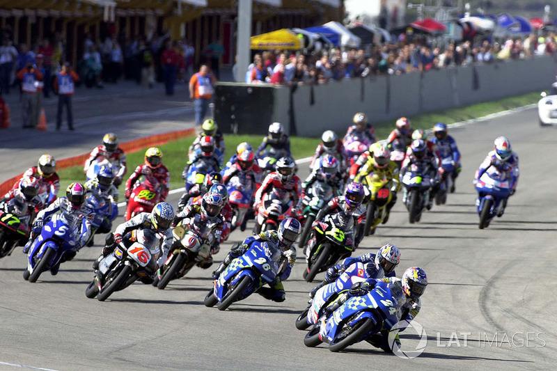 Toni Elias, Honda leads at the start