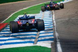 Brendon Hartley, Toro Rosso STR13, devant Pierre Gasly, Toro Rosso STR13