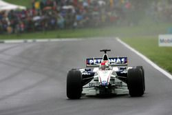 Robert Kubica, BMW Sauber F1.06 lost his front wing