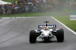 Robert Kubica, BMW Sauber F1.06 perd son aileron avant