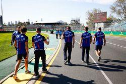 Pierre Gasly, Scuderia Toro Rosso pist yürüyüşü
