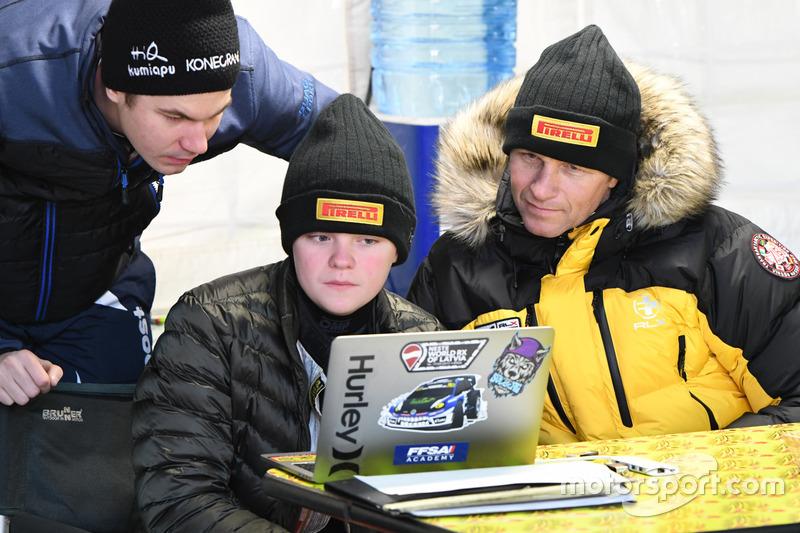 Oliver Solberg con il padre Petter Solberg