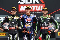 Podio: il secondo classificato Jonathan Rea, Kawasaki Racing, il vincitore della gara Michael van der Mark, Pata Yamaha, il terzo classificatoTom Sykes, Kawasaki Racing