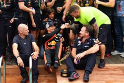 Daniel Ricciardo, Red Bull Racing celebrates with Adrian Newey, Red Bull Racing, Christian Horner, Red Bull Racing Team Principal and the team at the Red Bull Racing Energy Station swimming pool
