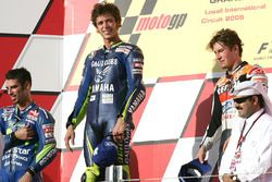 Podium: race winner Valentino Rossi, Yamaha Factory Racing, second place Marco Melandri, Honda, thir