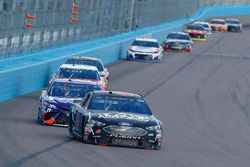 Trevor Bayne, Roush Fenway Racing, Ford Fusion Advocare e Denny Hamlin, Joe Gibbs Racing, Toyota Camry FedEx Freight