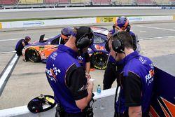 Denny Hamlin, Joe Gibbs Racing, Toyota Camry FedEx Freight crew chief Mike Wheeler and crew