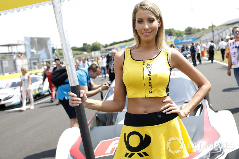 Grid girl of Loic Duval, Audi Sport Team Phoenix
