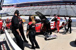 Ryan Blaney, Team Penske, Ford Fusion REV crew
