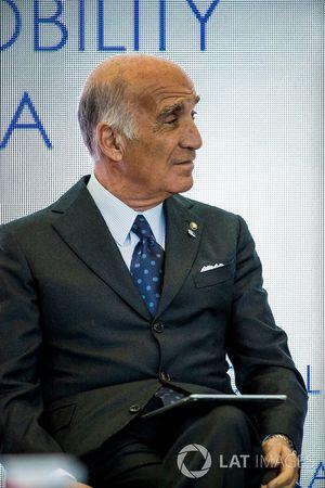 Angelo Sticchi Damiani, président de l'ACI, lors de la conférence FIA Smart Cities