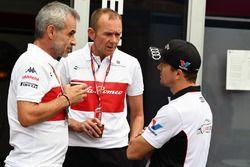Beat Zehnder, Sauber Manager and Jorg Zander, Sauber Technical Director