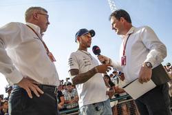 لويس هاميلتون، مرسيدس وروس براون، المدير العام الرياضي للفورمولا واحد وجايمس ألين