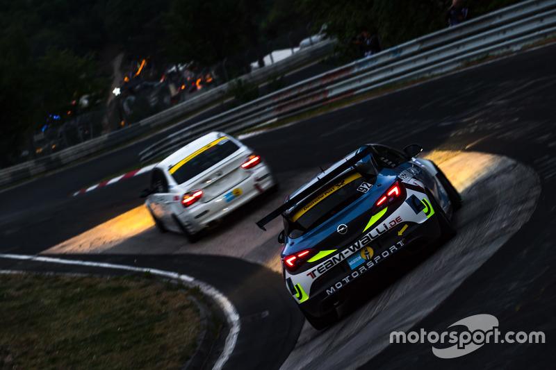 #92 Opel Astra: Mike Schmit, Michael Eichhorn, Patrick Rehs, Benjamin Weidner